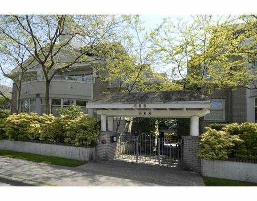 """Main Photo: 305 668 W 16TH Avenue in Vancouver: Cambie Condo for sale in """"THE MANSIONS"""" (Vancouver West)  : MLS®# V766111"""