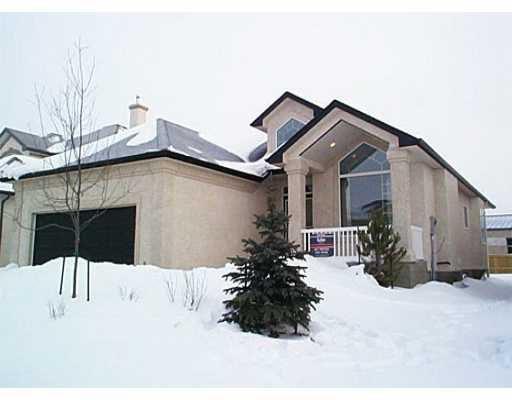 Main Photo: 35 LINDEN TERRACE Way in WINNIPEG: River Heights / Tuxedo / Linden Woods Single Family Detached for sale (South Winnipeg)  : MLS®# 2100628
