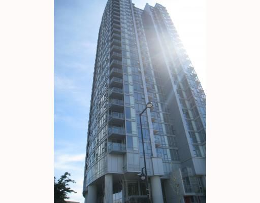 "Main Photo: 703 131 REGIMENT Square in Vancouver: Downtown VW Condo for sale in ""SPECTRUM"" (Vancouver West)  : MLS®# V786858"