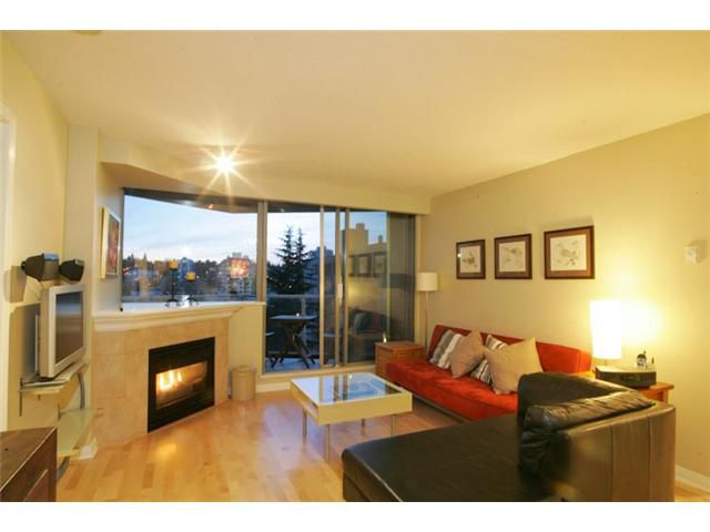 """Main Photo: 801 1575 W 10TH Avenue in Vancouver: Fairview VW Condo for sale in """"THE TRITON"""" (Vancouver West)  : MLS®# V862068"""