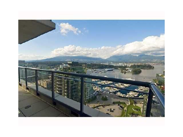 """Main Photo: 3305 1328 W PENDER Street in Vancouver: Coal Harbour Condo for sale in """"CLASSICO"""" (Vancouver West)  : MLS®# V825237"""