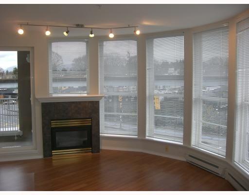 "Main Photo: 306 1688 E 8TH Avenue in Vancouver: Grandview VE Condo for sale in ""LA RESIDENZA"" (Vancouver East)  : MLS®# V743696"