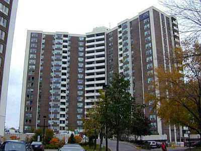 Main Photo: 01 5 Vicora Link Way in Toronto: Condo for sale (E03: TORONTO)  : MLS®# E1671058