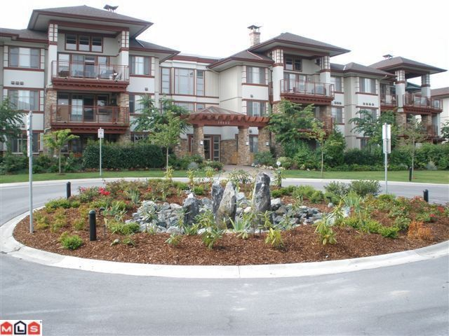 "Main Photo: 104 16483 64TH Avenue in Surrey: Cloverdale BC Condo for sale in ""SAINT ANDREWS"" (Cloverdale)  : MLS®# F1020760"