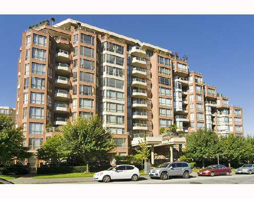 """Main Photo: 1005 2201 PINE Street in Vancouver: Fairview VW Condo for sale in """"MERIDIAN COVE"""" (Vancouver West)  : MLS®# V736582"""