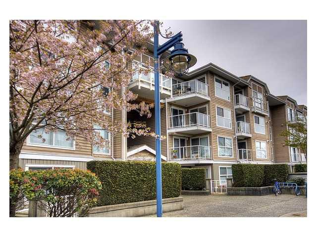"""Main Photo: 344 5880 DOVER Crescent in Richmond: Riverdale RI Condo for sale in """"WATERSIDE"""" : MLS®# V819804"""