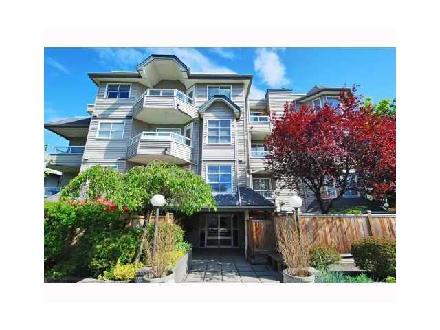 """Main Photo: 303 1481 E 4TH Avenue in Vancouver: Grandview VE Condo for sale in """"SCENIC VILLA"""" (Vancouver East)  : MLS®# V833401"""