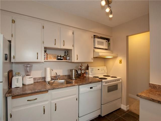 "Photo 6: Photos: 8 137 E 5TH Street in North Vancouver: Lower Lonsdale Condo for sale in ""Our House"" : MLS®# V825636"