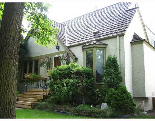 Main Photo: 433 CAMBRIDGE Street in WINNIPEG: River Heights / Tuxedo / Linden Woods Residential for sale (South Winnipeg)  : MLS®# 2820142