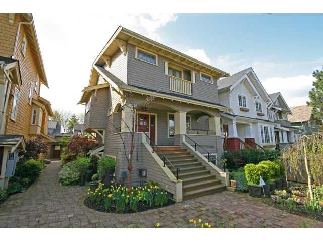 "Main Photo: 3538 W 5TH Avenue in Vancouver: Kitsilano Townhouse for sale in ""BOEUR HOUSE"" (Vancouver West)  : MLS®# V822581"
