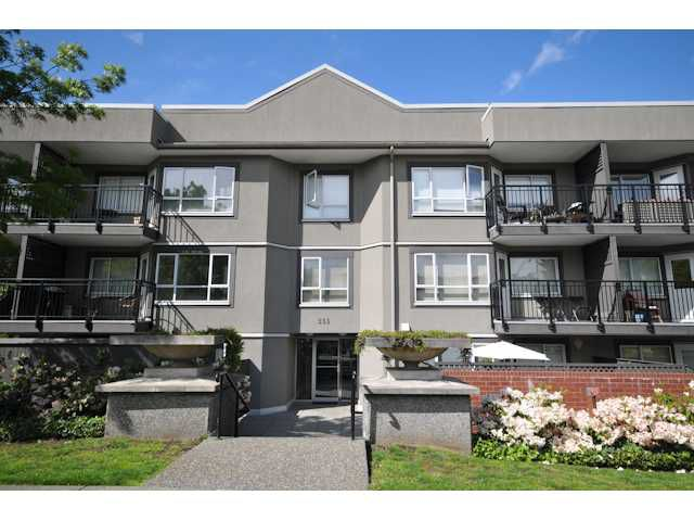 Main Photo: 110 555 W 14TH Avenue in Vancouver: Fairview VW Condo for sale (Vancouver West)  : MLS®# V827511