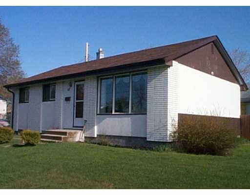 Main Photo: 48 GATINEAU Bay in WINNIPEG: Windsor Park / Southdale / Island Lakes Single Family Detached for sale (South East Winnipeg)  : MLS®# 2106612