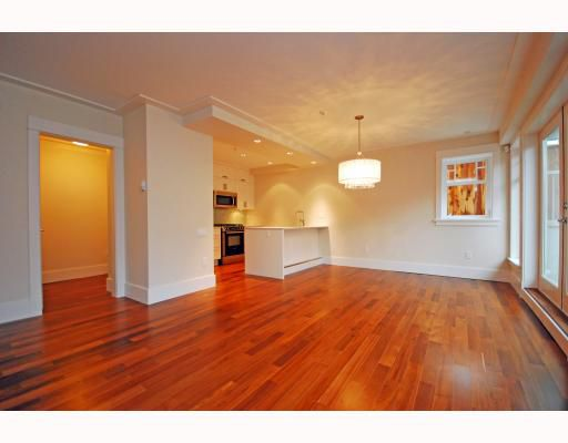 Main Photo: 4 144 W 14TH Avenue in Vancouver: Mount Pleasant VW Townhouse for sale (Vancouver West)  : MLS®# V756783