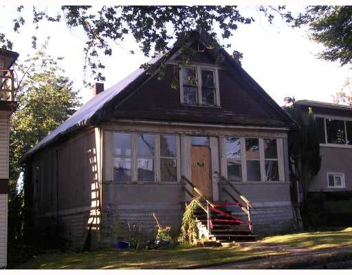 Main Photo: 728 E 12TH Avenue in Vancouver: Mount Pleasant VE House for sale (Vancouver East)  : MLS®# V786222