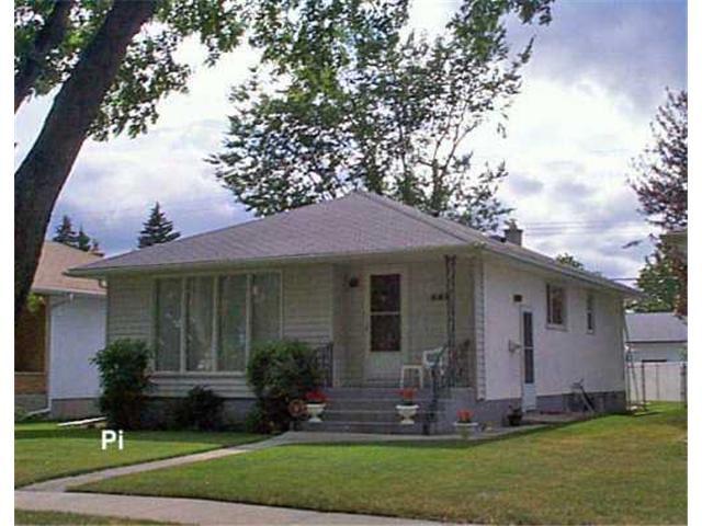 Main Photo: 899 BEAVERBROOK Street in WINNIPEG: River Heights / Tuxedo / Linden Woods Residential for sale (South Winnipeg)  : MLS®# 2610624