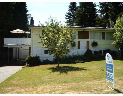 """Main Photo: 2185 FLORALYNN in North_Vancouver: Westlynn House for sale in """"WESTLYNN"""" (North Vancouver)  : MLS®# V778393"""