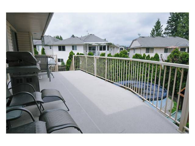 """Photo 10: Photos: 23892 113TH Avenue in Maple Ridge: Cottonwood MR House for sale in """"TWIN BROOKS"""" : MLS®# V834208"""