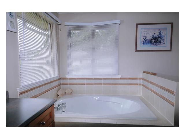 """Photo 7: Photos: 23892 113TH Avenue in Maple Ridge: Cottonwood MR House for sale in """"TWIN BROOKS"""" : MLS®# V834208"""