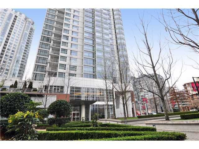 "Main Photo: 1108 198 AQUARIUS MEWS in Vancouver: False Creek North Condo for sale in ""AQARIUS II"" (Vancouver West)  : MLS®# V862901"