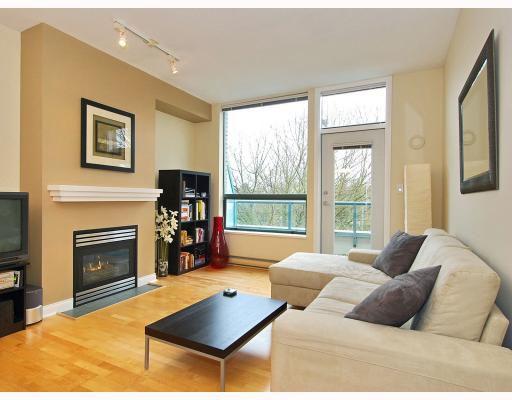 Main Photo: 408 2028 W 11TH Avenue in Vancouver: Kitsilano Condo for sale (Vancouver West)  : MLS®# V757545