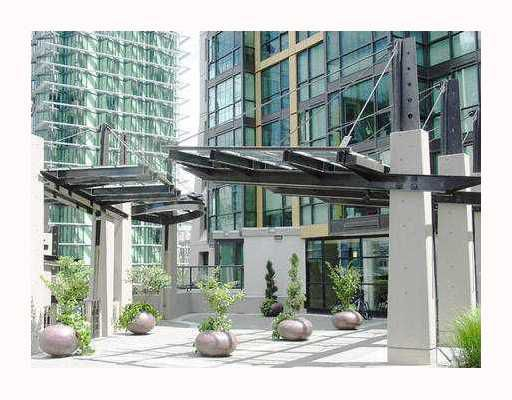 """Photo 2: Photos: 2210 1331 ALBERNI Street in Vancouver: West End VW Condo for sale in """"THE LIONS"""" (Vancouver West)  : MLS®# V767483"""