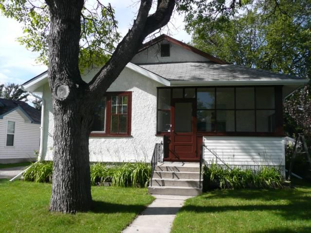 Main Photo: 23 Sherwood Place in WINNIPEG: St Vital Residential for sale (South East Winnipeg)  : MLS®# 1017782