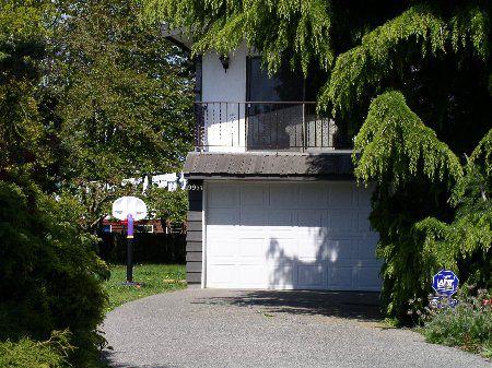 Main Photo: 9951 SWANSEA DRIVE: House for sale (Shellmont)