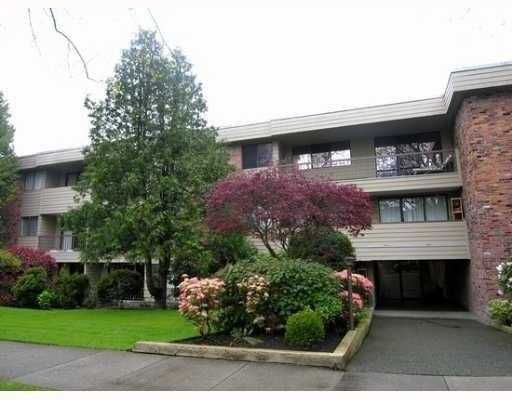"Main Photo: 209 1717 W 13TH Avenue in Vancouver: Fairview VW Condo for sale in ""PRINCETON MANOR"" (Vancouver West)  : MLS®# V717050"