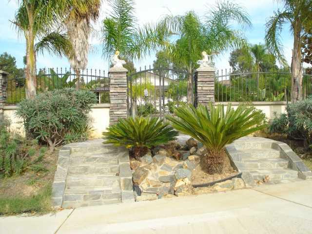 Main Photo: EAST ESCONDIDO House for sale : 4 bedrooms : 2550 Glenridge Road in Escondido