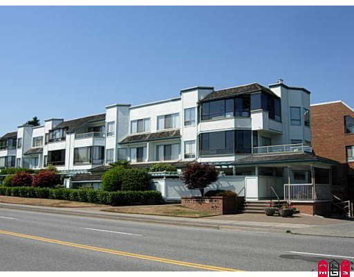 """Main Photo: 305 1830 E SOUTHMERE Crescent in Surrey: Sunnyside Park Surrey Condo for sale in """"Southmere Mews"""" (South Surrey White Rock)  : MLS®# F2917594"""