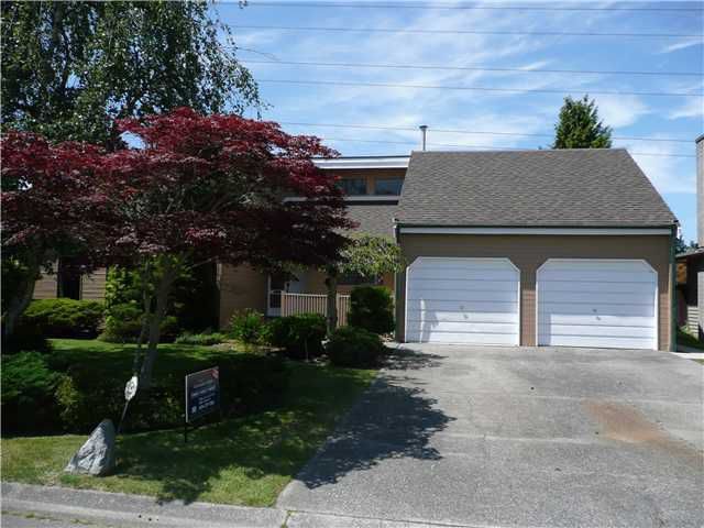"Main Photo: 5143 GALWAY Drive in Tsawwassen: Pebble Hill House for sale in ""TSAWWASSEN HEIGHTS"" : MLS®# V863417"