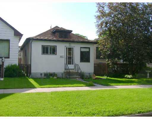 Main Photo: 281 ROSEBERRY Street in WINNIPEG: St James Single Family Detached for sale (West Winnipeg)  : MLS®# 2710581