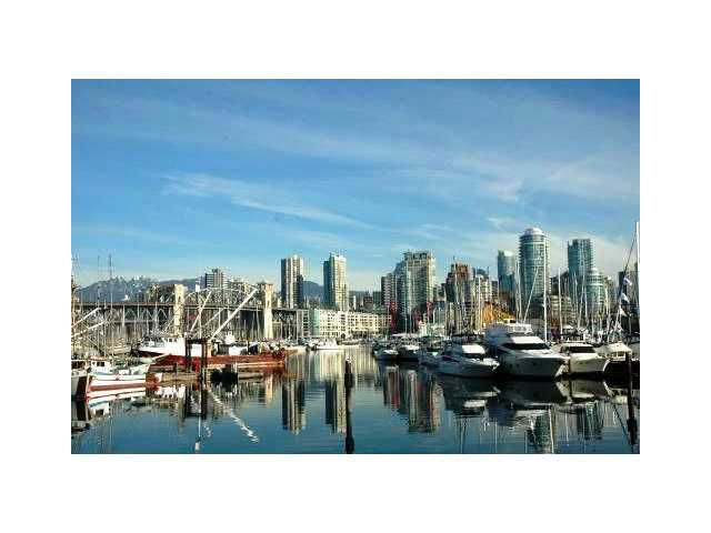 """Main Photo: 305 1551 MARINERS Walk in Vancouver: False Creek Condo for sale in """"LAGOONS"""" (Vancouver West)  : MLS®# V834816"""