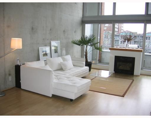 """Main Photo: 410 289 ALEXANDER Street in Vancouver: Hastings Condo for sale in """"THE EDGE"""" (Vancouver East)  : MLS®# V721360"""