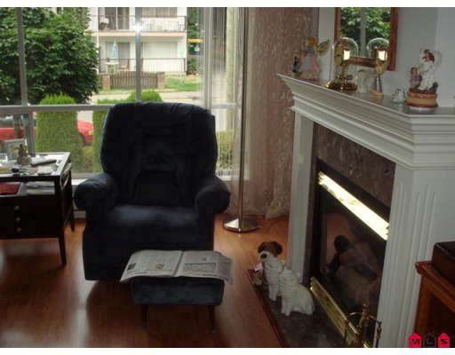 "Photo 6: Photos: 202 33280 E BOURQUIN Crescent in Abbotsford: Central Abbotsford Condo for sale in ""EMERALD SPRINGS"" : MLS®# F2900142"