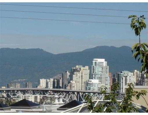 Main Photo: E2 1070 W 7TH AV in Vancouver: Fairview VW Townhouse for sale (Vancouver West)  : MLS®# V556367