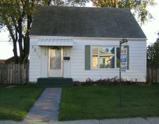 Main Photo: 1256 ALEXANDER Avenue in WINNIPEG: Brooklands / Weston Residential for sale (West Winnipeg)  : MLS®# 2916240