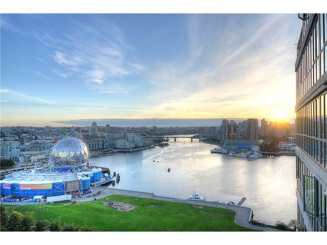 """Main Photo: 1901 1088 QUEBEC Street in Vancouver: Mount Pleasant VE Condo for sale in """"THE VICEROY"""" (Vancouver East)  : MLS®# V849473"""