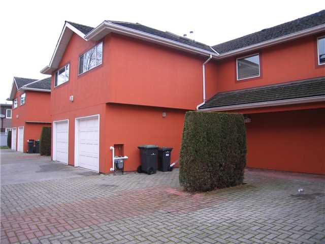 Main Photo: 110 303 CUMBERLAND Street in New Westminster: Sapperton Townhouse for sale : MLS®# V860688