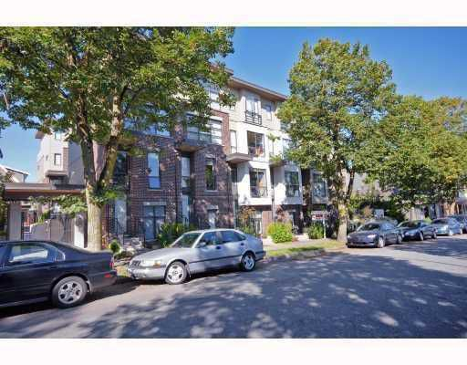 """Main Photo: 3629 COMMERCIAL Street in Vancouver: Victoria VE Townhouse for sale in """"THE BRIX"""" (Vancouver East)  : MLS®# V732840"""