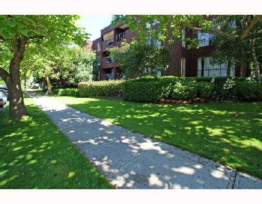 Main Photo: 307 2920 ASH Street in Vancouver: Fairview VW Condo for sale (Vancouver West)  : MLS®# V743011