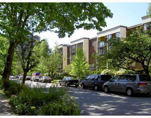 "Main Photo: 412 1140 PENDRELL Street in Vancouver: West End VW Condo for sale in ""THE SOMERSET"" (Vancouver West)  : MLS®# V801603"