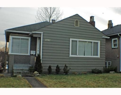 Main Photo: 2742 E 8TH Avenue in Vancouver: Renfrew VE House for sale (Vancouver East)  : MLS®# V751861