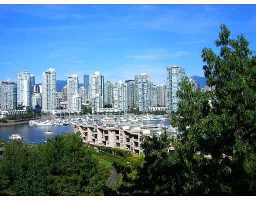 "Main Photo: 806 518 MOBERLY Road in Vancouver: False Creek Condo for sale in ""NEWPORT QUAY"" (Vancouver West)  : MLS®# V736398"