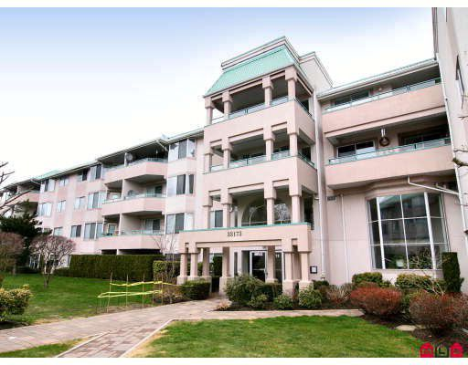 "Main Photo: 440 33173 OLD YALE Road in Abbotsford: Central Abbotsford Condo for sale in ""SOMMERSET RIDGE"" : MLS®# F2906212"