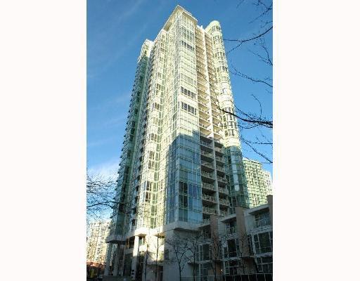 "Main Photo: 1503 193 AQUARIUS MEWS BB in Vancouver: False Creek North Condo for sale in ""MARINASIDE RESORT"" (Vancouver West)  : MLS®# V746365"