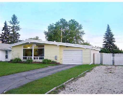 Main Photo: 16 FLEURY Place in WINNIPEG: Windsor Park / Southdale / Island Lakes Residential for sale (South East Winnipeg)  : MLS®# 2817158