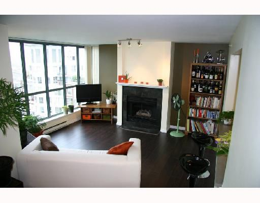 """Main Photo: 1504 1188 QUEBEC Street in Vancouver: Mount Pleasant VE Condo for sale in """"CITYGATE ONE"""" (Vancouver East)  : MLS®# V737481"""