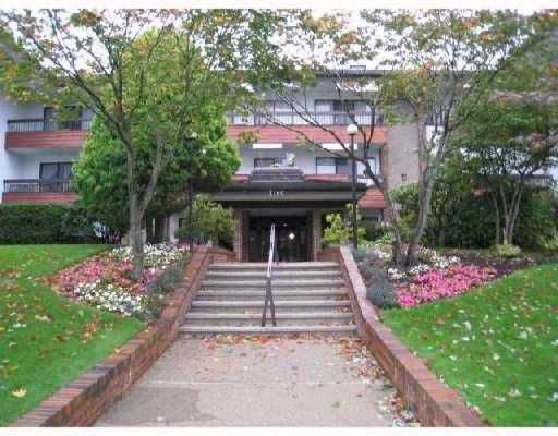"Main Photo: 303 7180 LINDEN Avenue in Burnaby: VBSHG Condo for sale in ""LINDEN HOUSE"" (Burnaby South)  : MLS®# V732557"