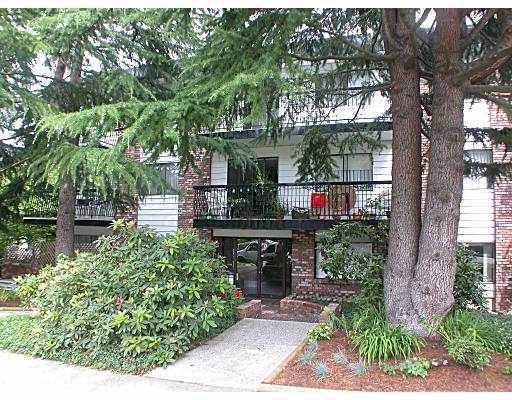 "Main Photo: 111 2330 MAPLE Street in Vancouver: Kitsilano Condo for sale in ""MAPLE GARDENS"" (Vancouver West)  : MLS®# V774301"
